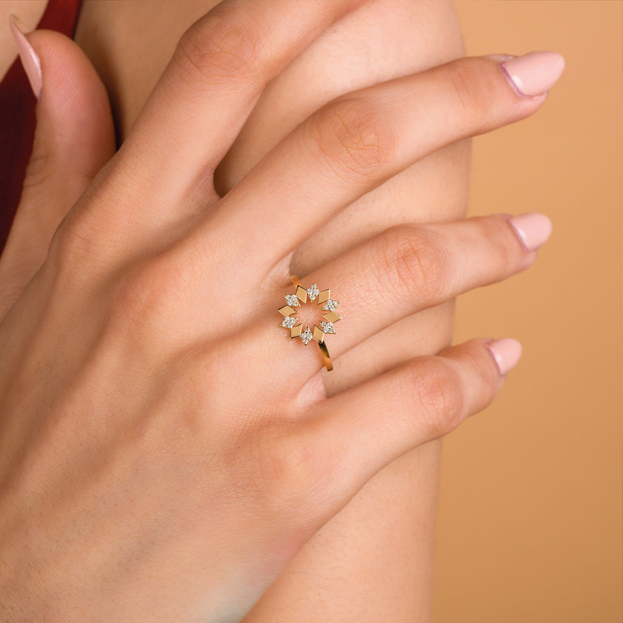 Dahlia Mini Diamond Ring