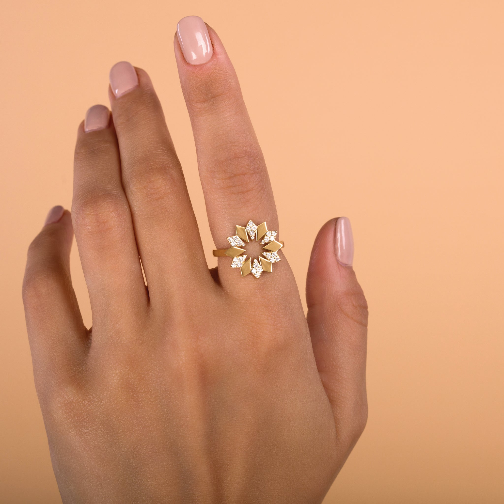 Dahlia Diamond Ring