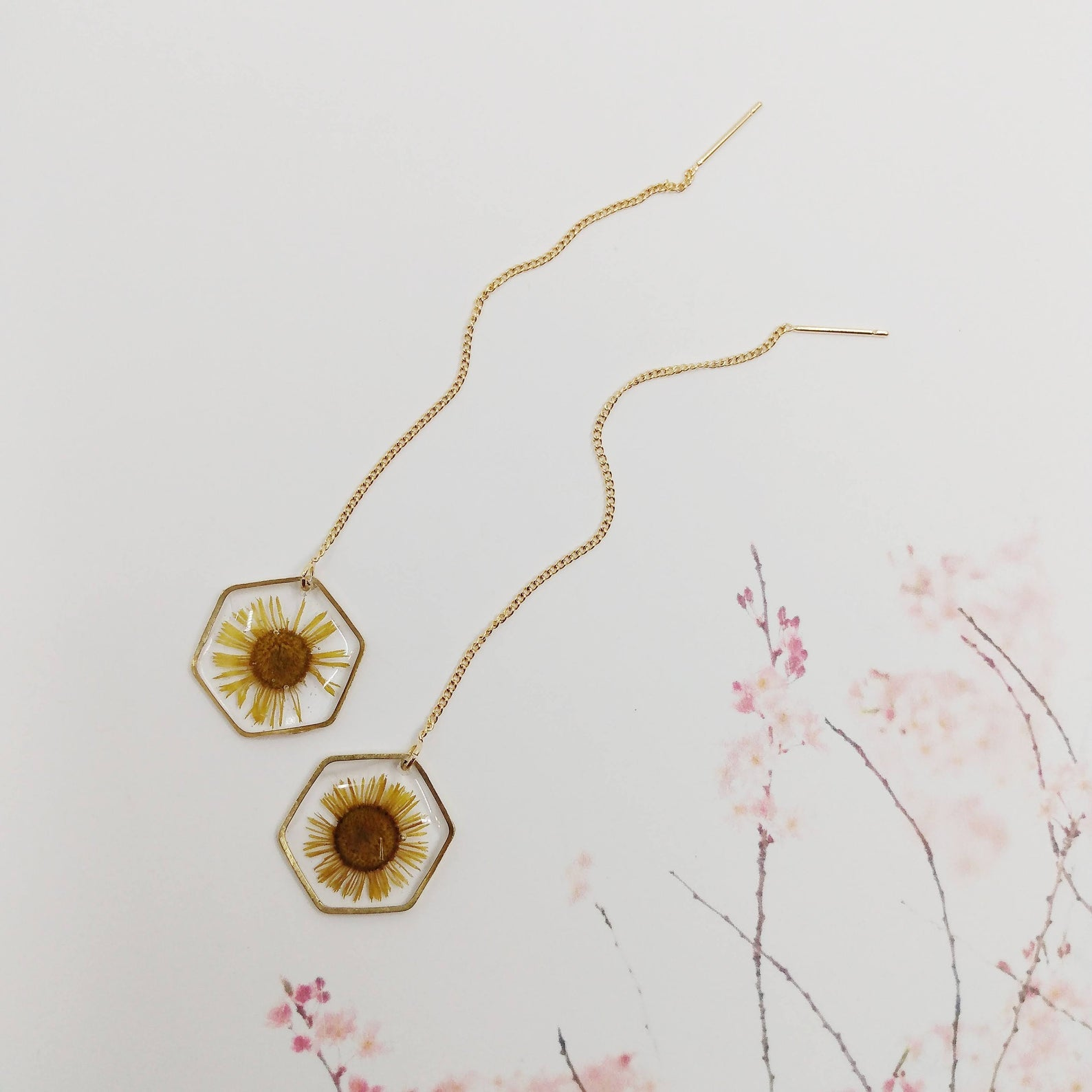 Pressed Flower Chain Earring