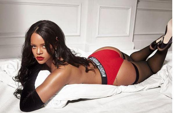 Rihanna's Latest Sexiest Pictures: December 2018 [ALL SEXY PHOTOS]