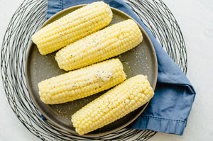 Thank you to my mother-in-law for this quick trick on how to cook corn on the cob in the microwave! Did you know that cooking corn on the cob doesn't require dirtying up a pot, heating up the kitchen, or waiting for a gallon of water to boil? I sure...
