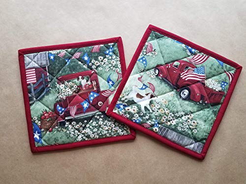 Classic Americana Quilted Potholders Set of 2 Red White and Blue Pair Insulated Trivets Quilted Hot Pads Patriotic Pot Holders Vintage Pick Up Dog Days of Summer Summer Kitchen Linens Old Truck Gifts