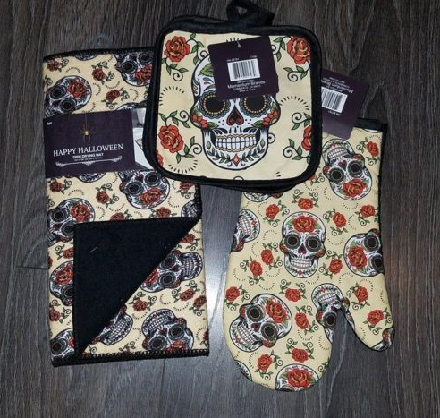 1 Skull Dish Drying Mat, 2 Pot Holder, 1 Oven Mitt