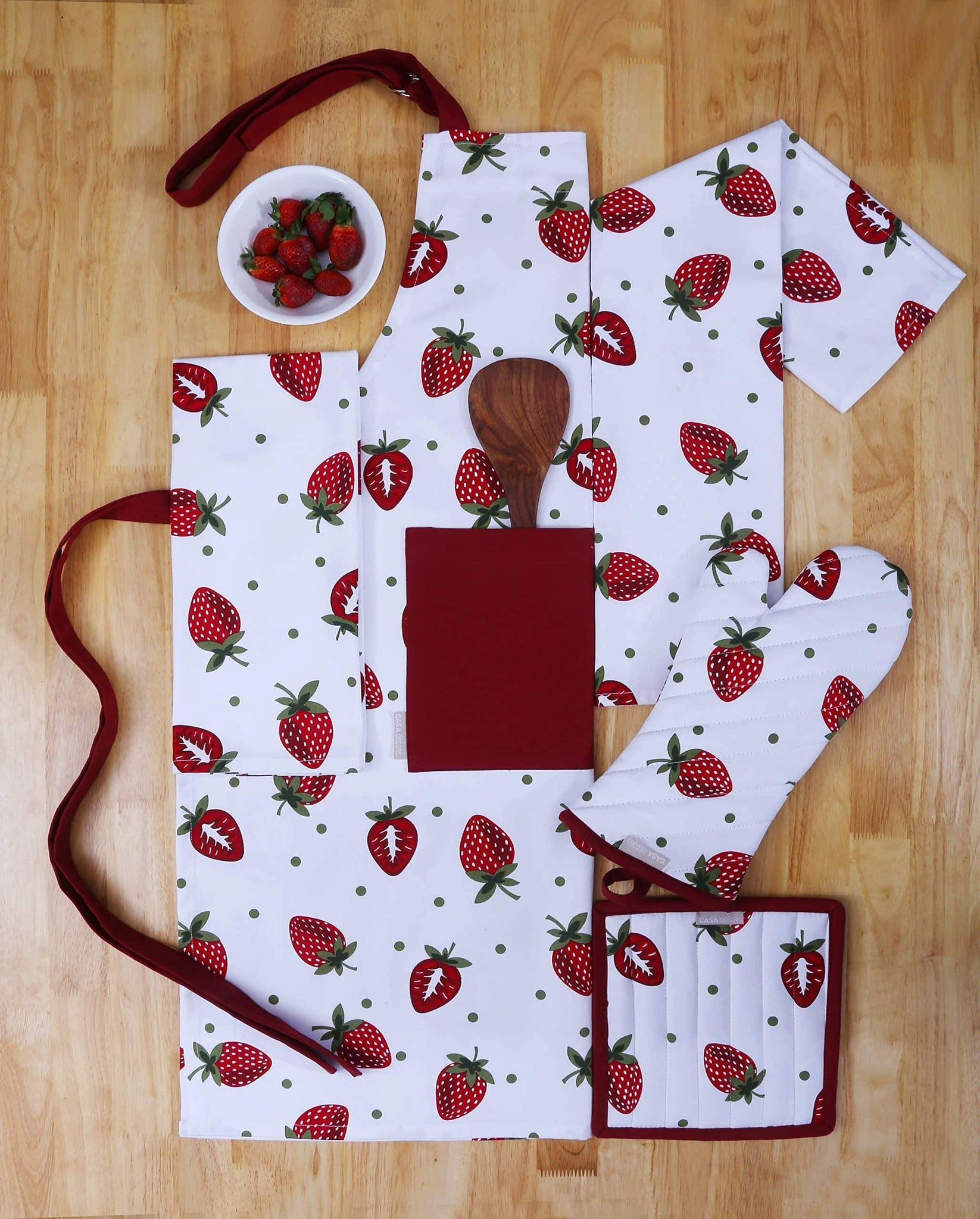 CASA DECORS Set of Apron, Oven Mitt, Pot Holder, Pair of Kitchen Towels in a Unique Berry Blast Design, Made of 100% Cotton, Eco-Friendly & Safe, Value Pack and Ideal Gift Set, Kitchen Linen Set
