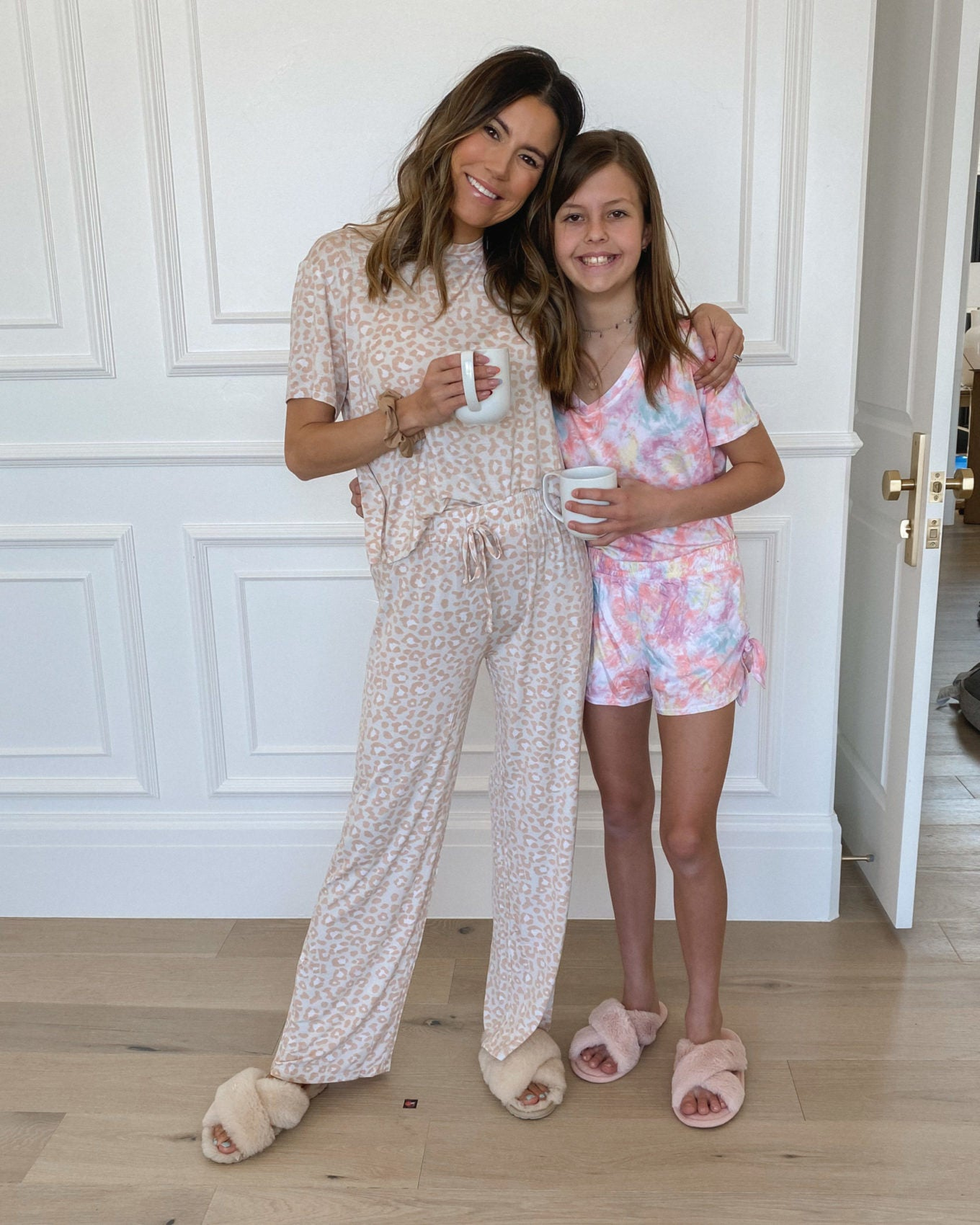 Happy Sunday guys! Mara is to the age we can start sharing a few things,  since were home so much right now I got some new loungewear sets so I wanted to share with you all ones I've been loving