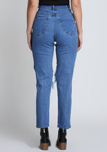 Load image into Gallery viewer, Stella Boyfriend Jeans