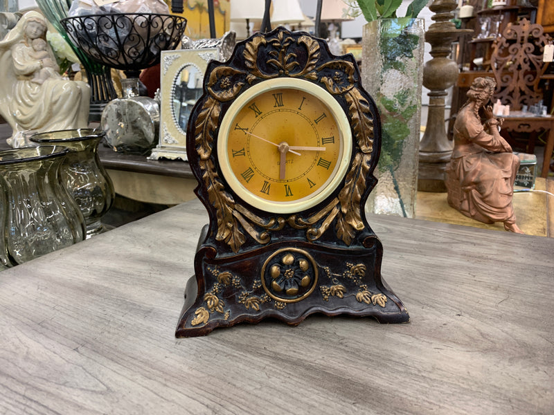Traditional styled clock
