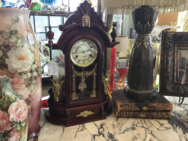Mantel clock made of wood with angels - chime and key