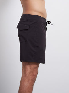 Macaw Mod Solid 16 Boardshort - Black