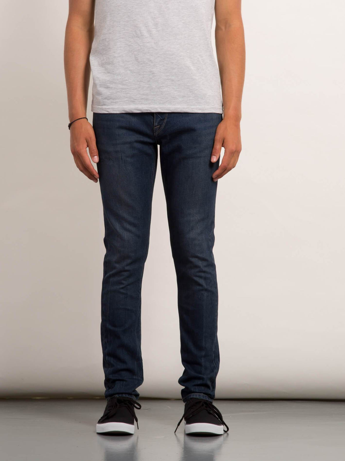 2X4 Tapered Jeans - Faded Vin