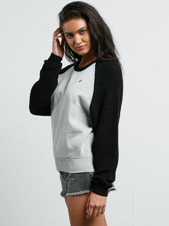 PEARED UP SWEATER BLACK