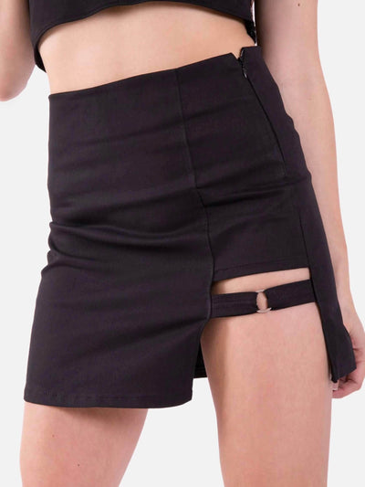 black high waist skirt opened on the left leg with a strap