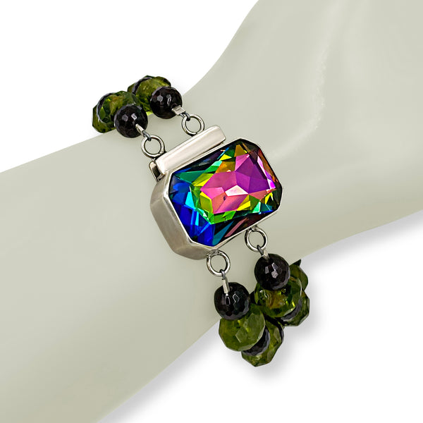Ever Changing Colored Clasp-Bracelet
