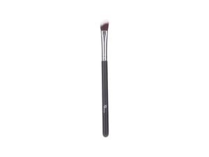 ANGLED EYESHADOW BLENDING BRUSH - SILVER
