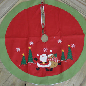 FELT TREE SKIRT WITH XMAS FIG