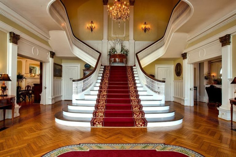 8 Ways to Turn Your Hallway into a Grand Entrance to Your Home