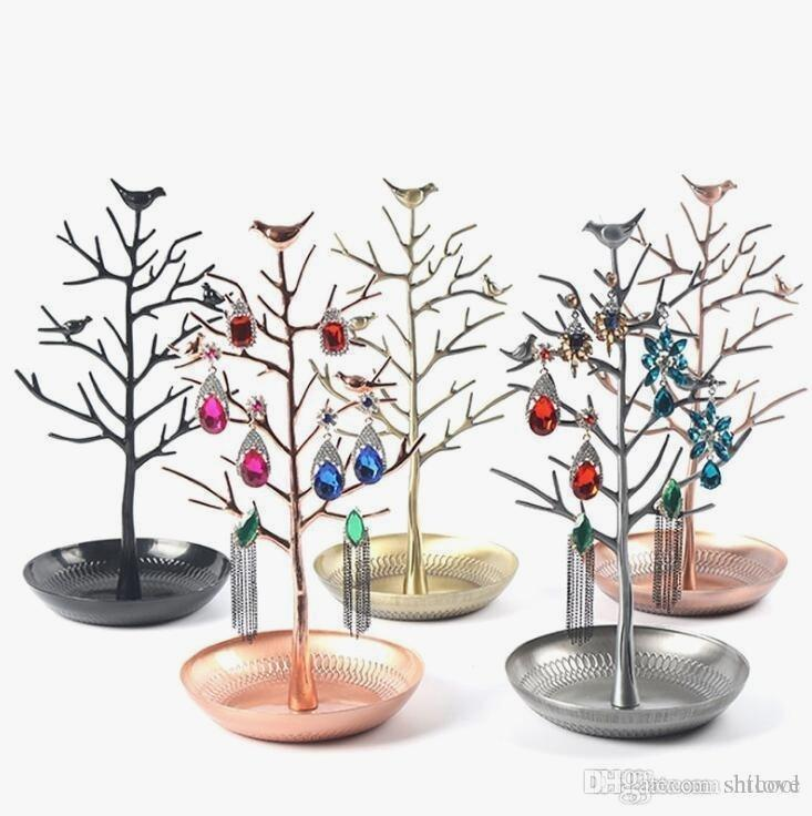 Pretty Necklace Tree Stand