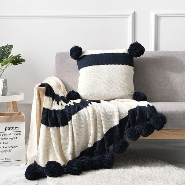 Hugo - Baubles Fringe Knit Throw Blanket