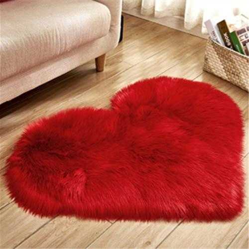 Cora - Faux Sheepskin Love Heart Rug