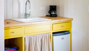 Design the Perfect Little Kitchenette with These Designer-Approved Tip