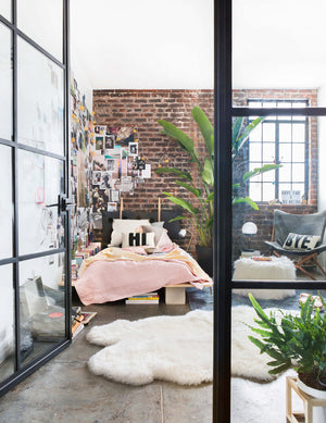 Thanks to affordable décor and a range of creative design options for college students and young adults, it's never been easier to find on-trend dorm room ideas