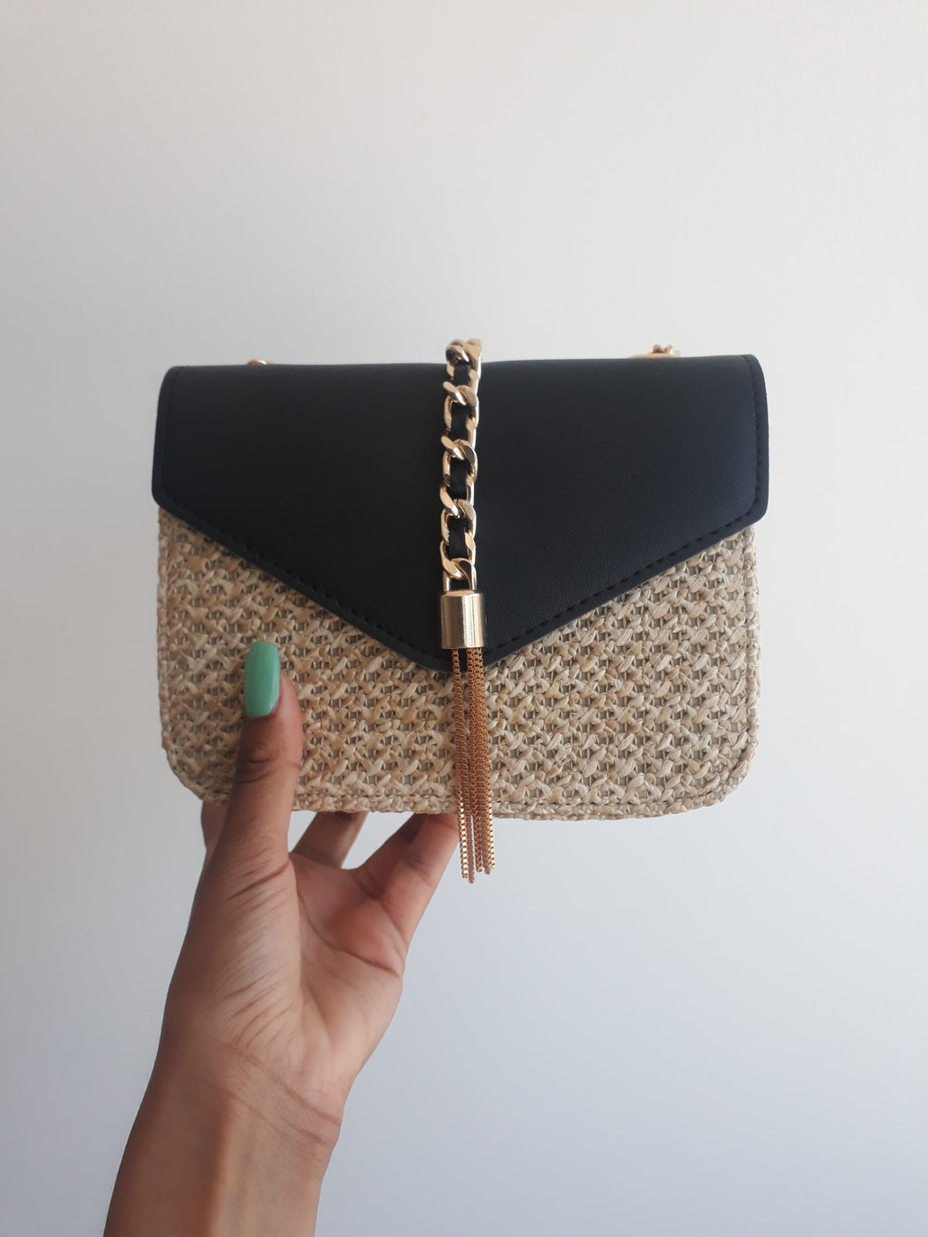 Santorini Straw Crossbody Handbag in Black