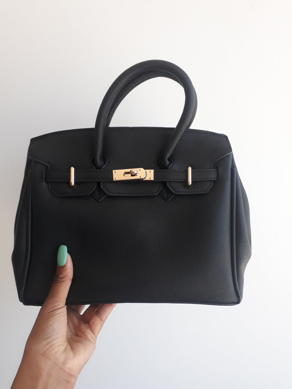 Amelia Shoulder handbag in Black