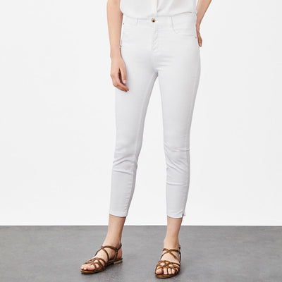 Super White Self Textured Women Cotton Pant