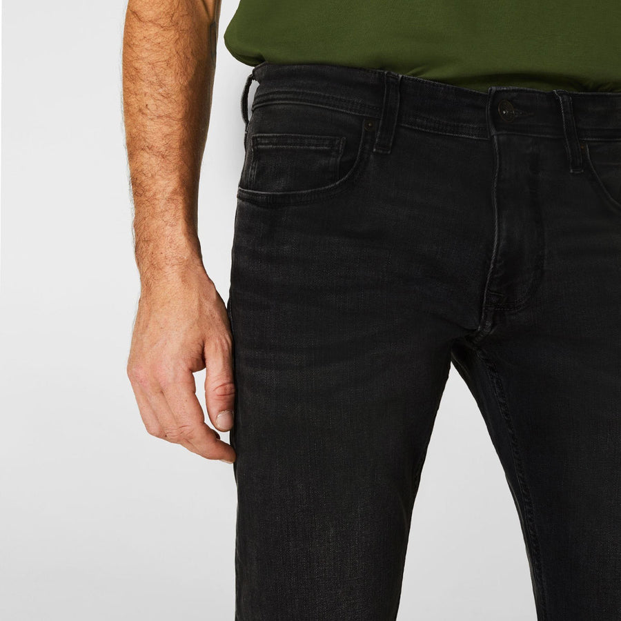 Magun Mid Black Wash Jeans