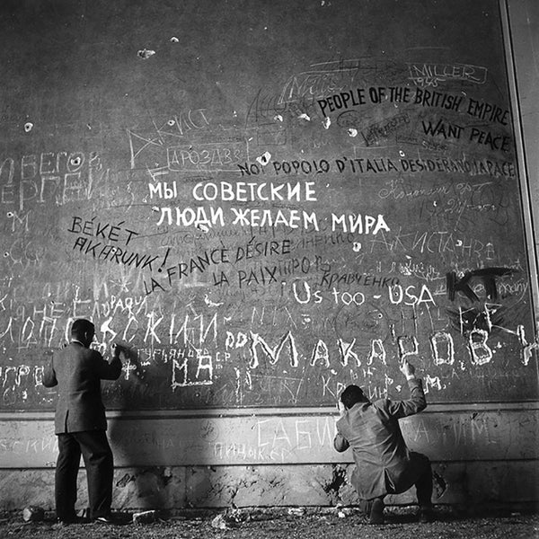 Chancellery Graffiti by Slim Aarons - FINEPRINT co