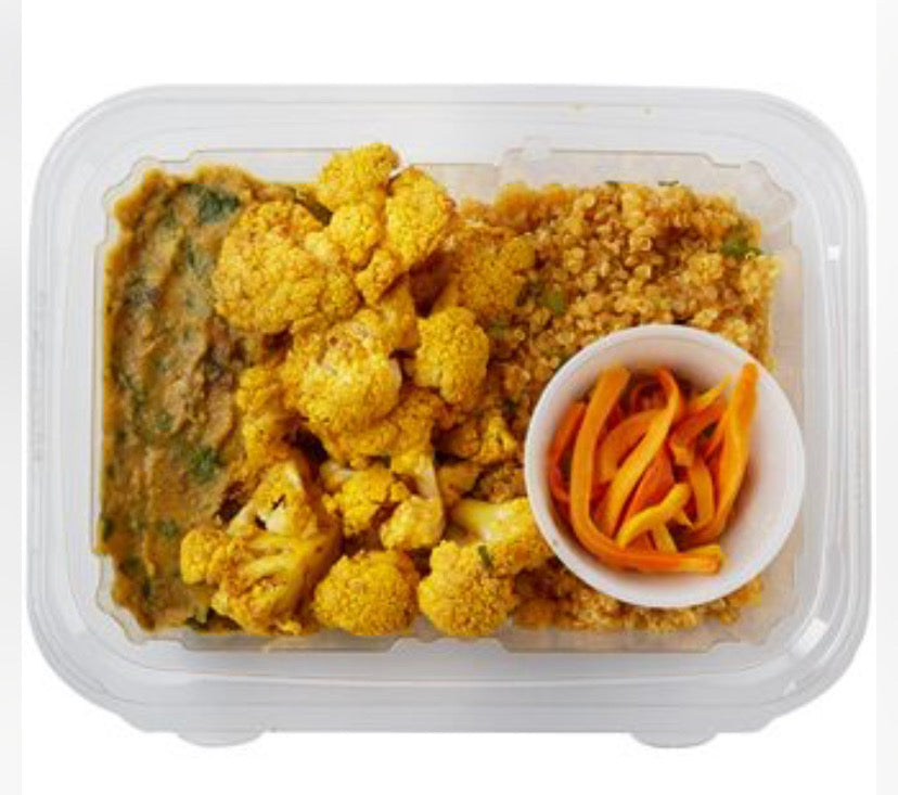 Golden Tumeric Bowl with Quinoa, roasted Cauliflower, Lentil-Spinach Dahl & pickled Turmeric