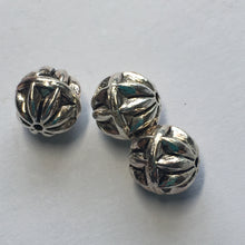 Load image into Gallery viewer, Antique Silver Round Metal Beads, 8 mm, 3 Beads