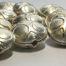 Load image into Gallery viewer, Silver Heavy Metal Clam Shell Beads, Paintable, 19 x 10 mm - 15 Beads