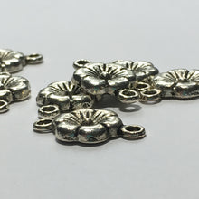 Load image into Gallery viewer, Antique Silver Flower Links 18 x 10 mm - 8 Links