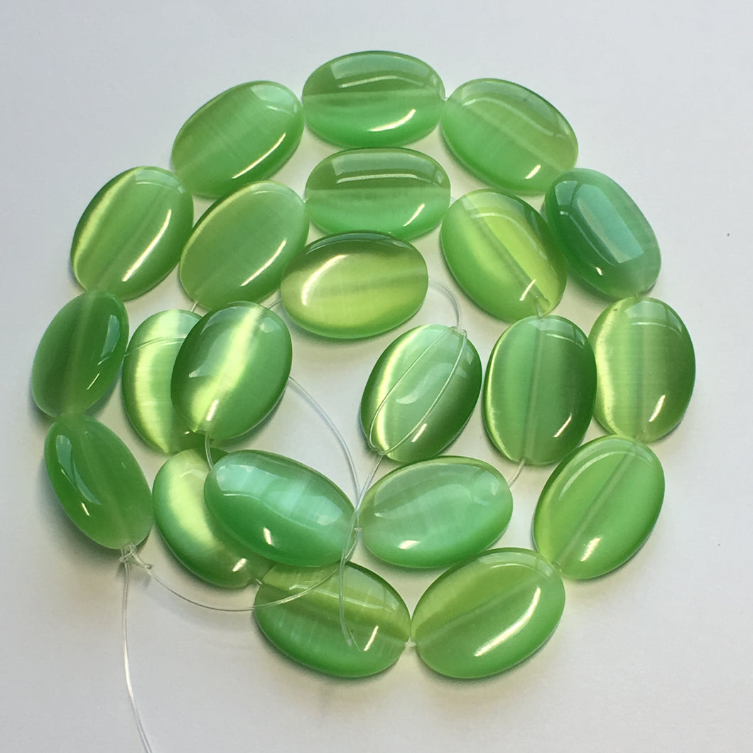 Green Cat's Eye Glass Oval Flat Beads, 18 x 13 mm, 22 Beads
