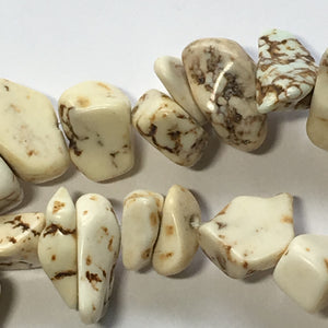 Ivory Howlite Semi-Precious Stone Chips/Beads, 5-10 mm, Approx. 64 Beads