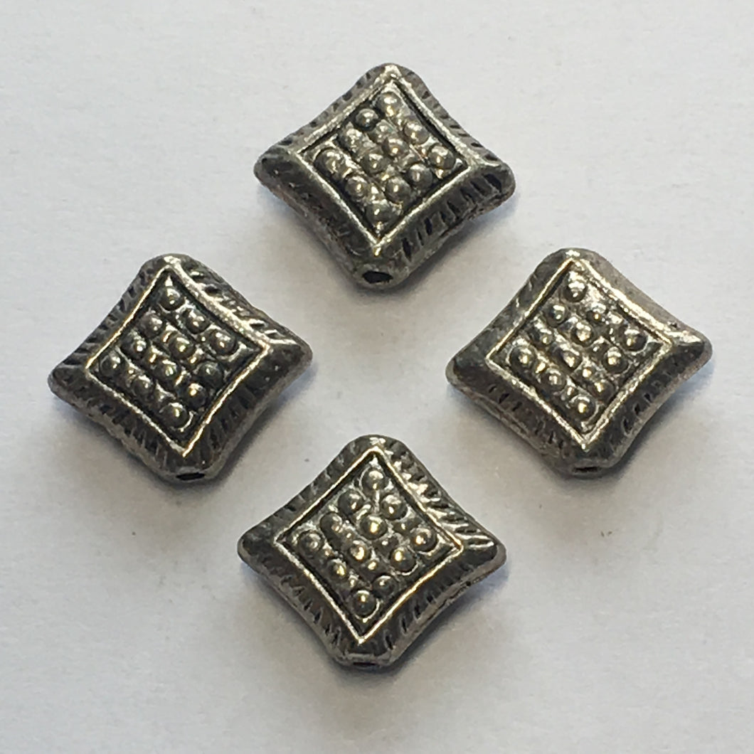 Antique Silver Dotted Diamond Beads, Hole on Point, 8 x 11 mm - 4 Beads
