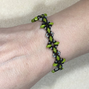 Oh, My Stars Bracelet Green / Black  / Silver PDF Tutorial/Instructions