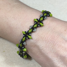 Load image into Gallery viewer, Oh, My Stars Bracelet Green / Black  / Silver PDF Tutorial/Instructions