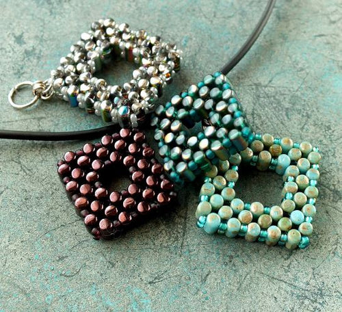 Rulla Square Pendants Free Pattern/Tutorial/Instructions