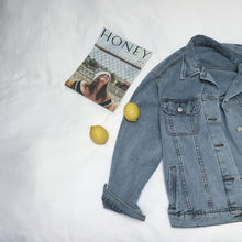 Load image into Gallery viewer, Men's Oversized Denim Jacket
