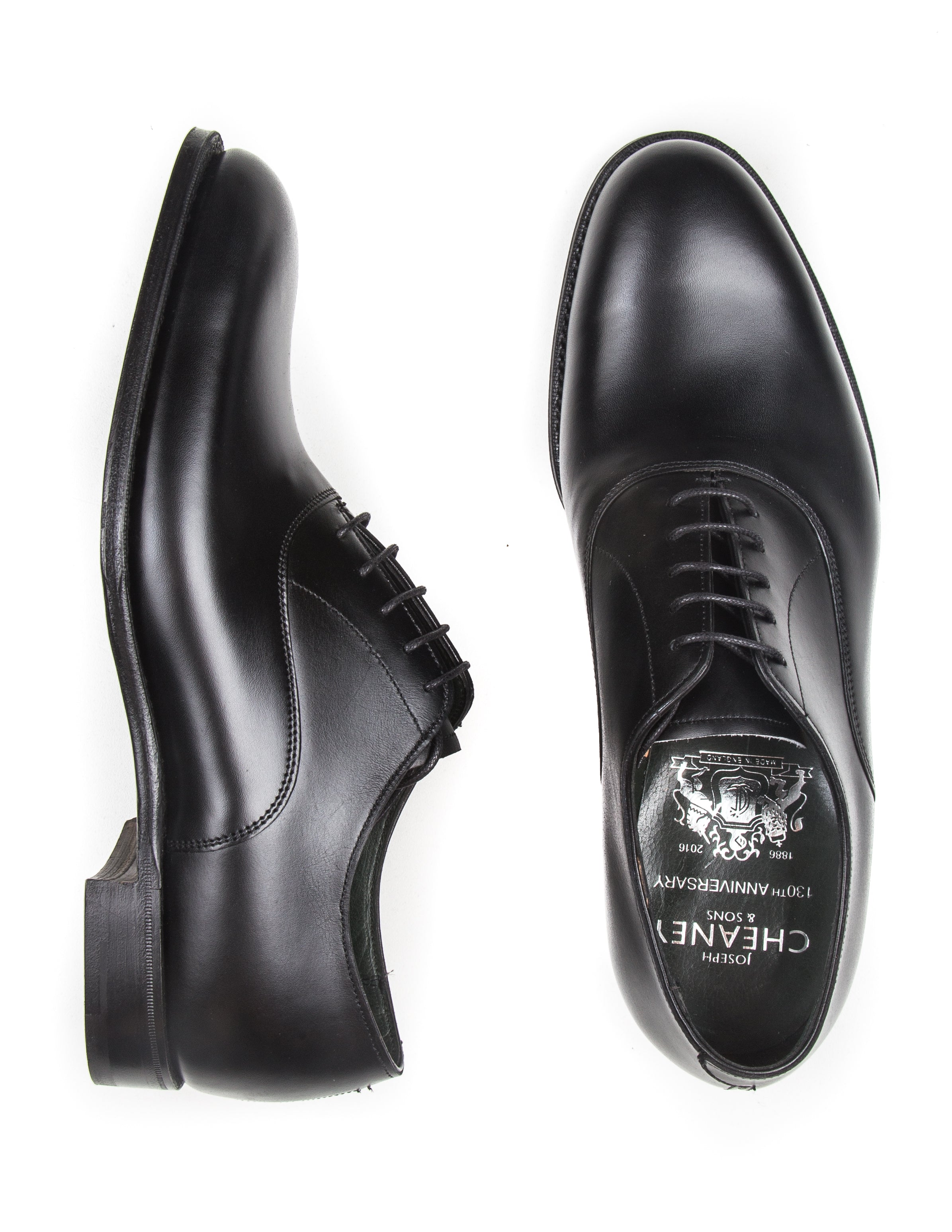 Welland Oxford Shoes in Black Calf Leather