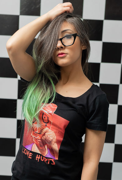 model with dark lover graphic tee