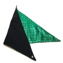 Load image into Gallery viewer, Reversable hammock made of green scale material