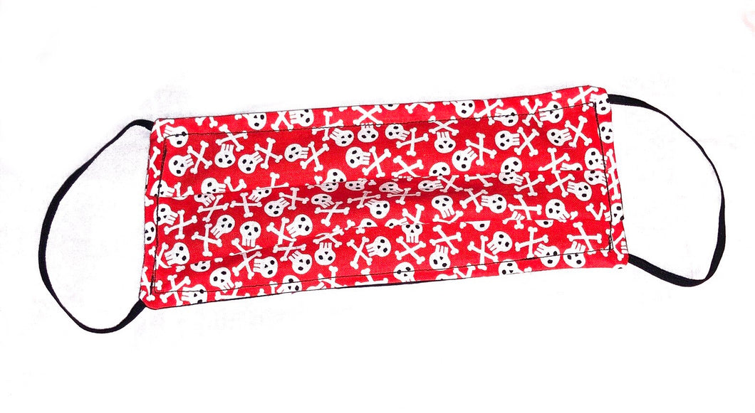 Face mask red with pirates