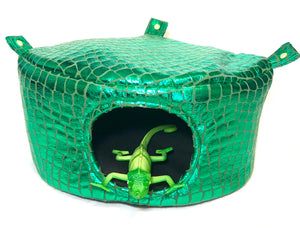 Green scale cubby cozie