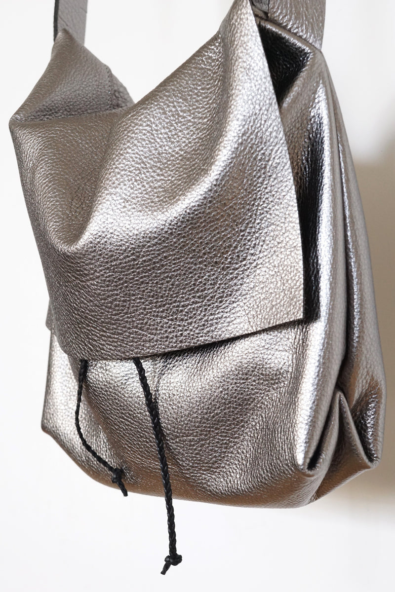 Bolsa - Messenger Crossbody Bag - Metallic Leather - Gunmetal - Price from