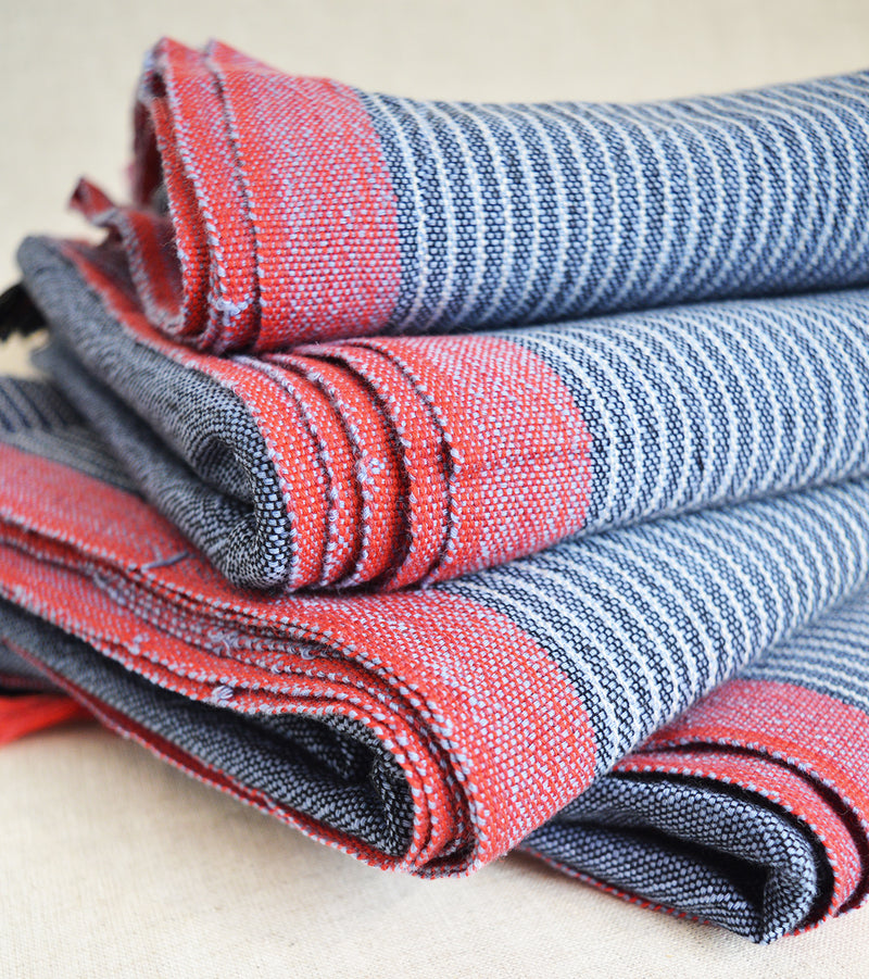 Hand loomed and hand dyed by skilled artisans, this Turkish towels / throws are known for their softness, durability and versatility.  Perfect to travel as they requires less space than a regular towel.  Blue with Red Border