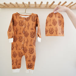 The most adorable baby jumpsuits in the cutest cactus prints. Made from super soft organic cotton, these jumpsuits are a comfy, cozy staple for your little one.