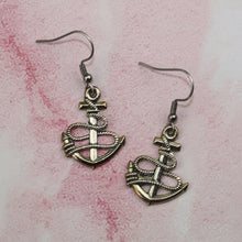 Load image into Gallery viewer, Anchor Earrings